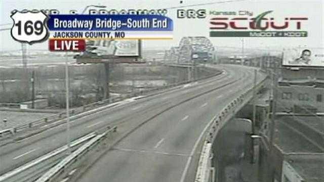 Broadway Bridge 169 Highway - 26187766