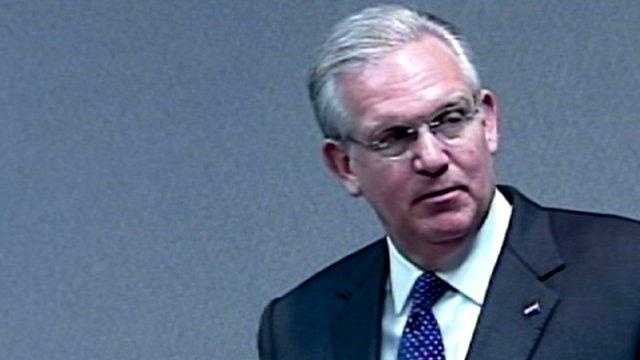 Missouri Governor Jay Nixon - 25042751