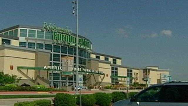 Nebraska Furniture Mart Uses New Electronic Price Tags