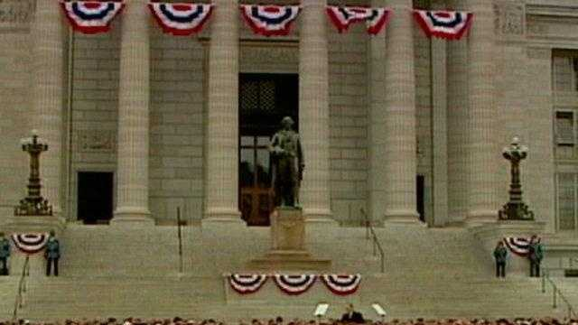 Jay Nixon inauguration, wide of steps of capital - 18465837