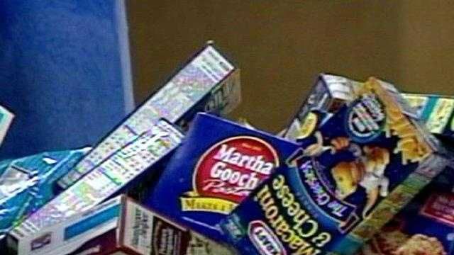Harvesters food donations, macaroni and cheese boxes - 17912932