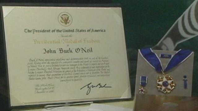Image Buck O'Neil medal