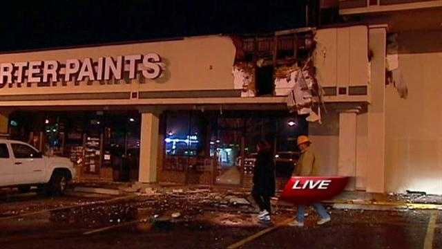 Fire damages Shawnee businesses overnight