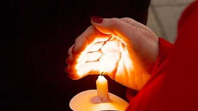Candle light vigil held for Newtown victims