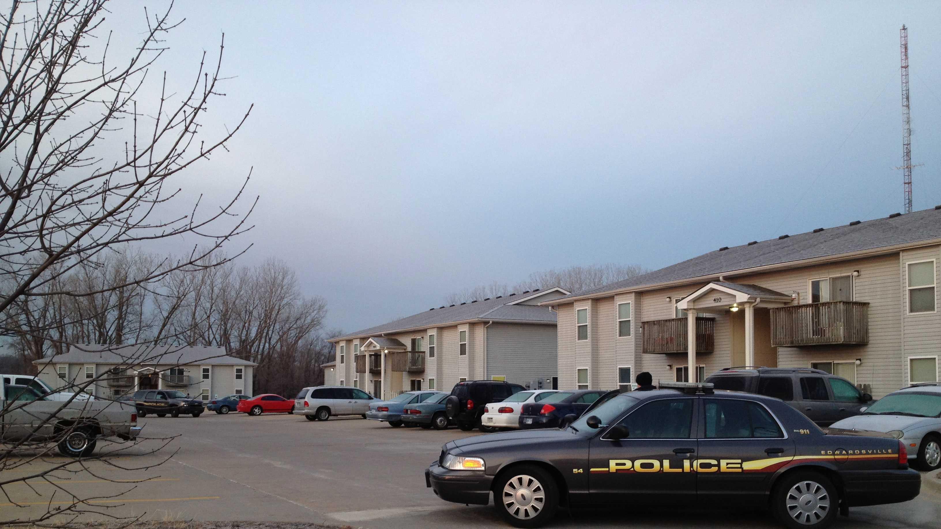 Edwardsville police standoff