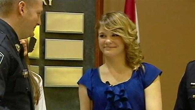 Image Alyssa Howe presents award