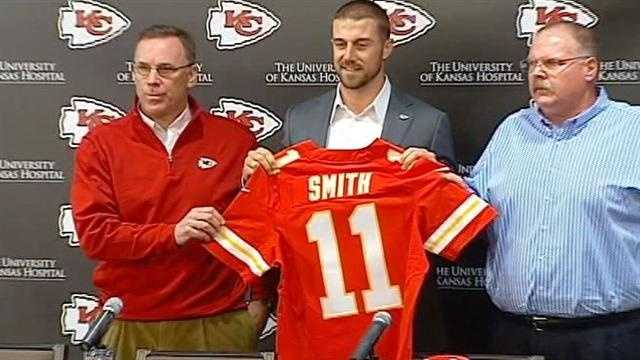Image Alex Smith introduced