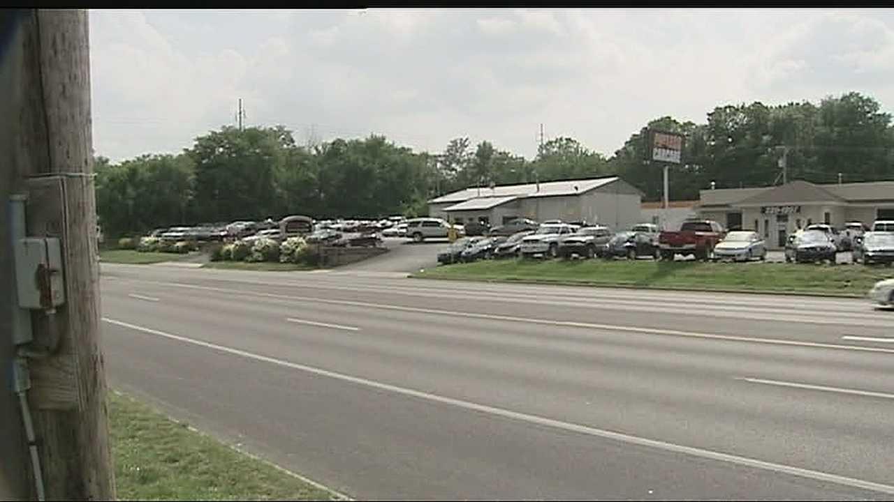 Worker dies in accident at Blue Springs garage