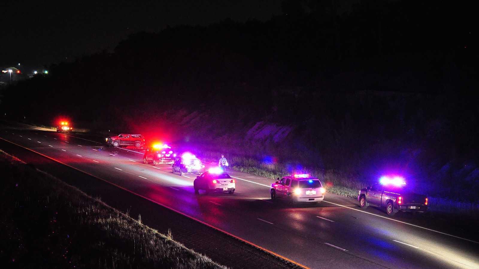 Man dies in rollover crash on I-435