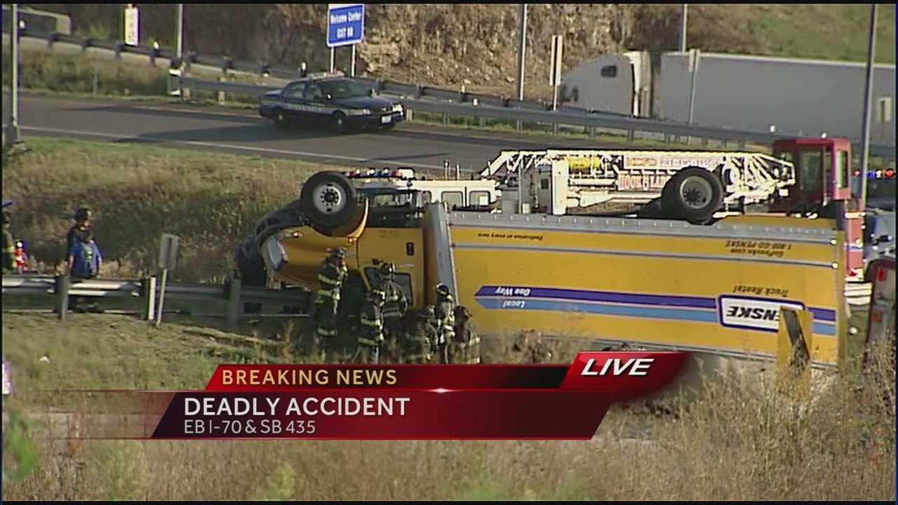 Image Fatal crash after truck overturns