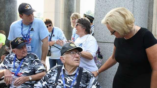 McCaskill welcomes veterans from Honor Flight