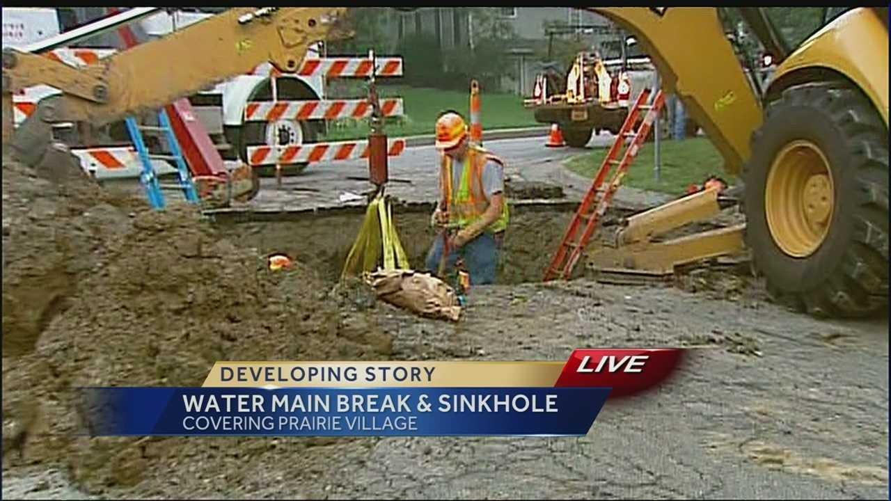Water main break causes sinkhole in Prairie Village