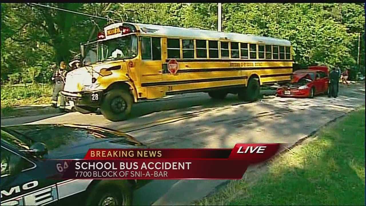 School bus accident, Sni-A-Bar Road