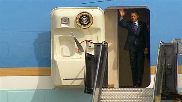 President Obama greets crowd at KCI Airport