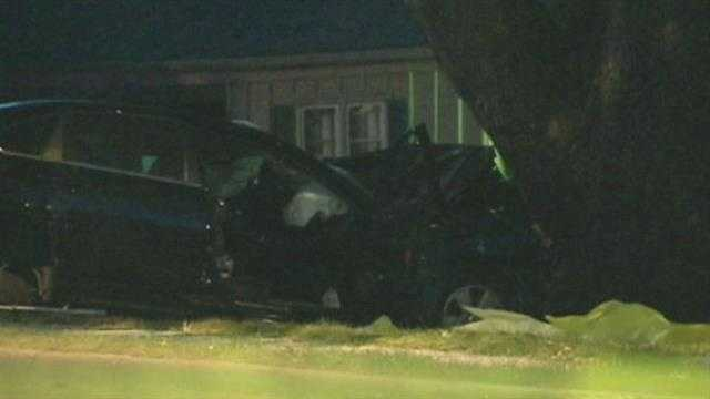 Crash kills father, teen daughter in KCMO