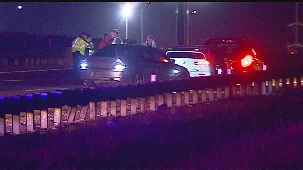 Image woman struck on I-435
