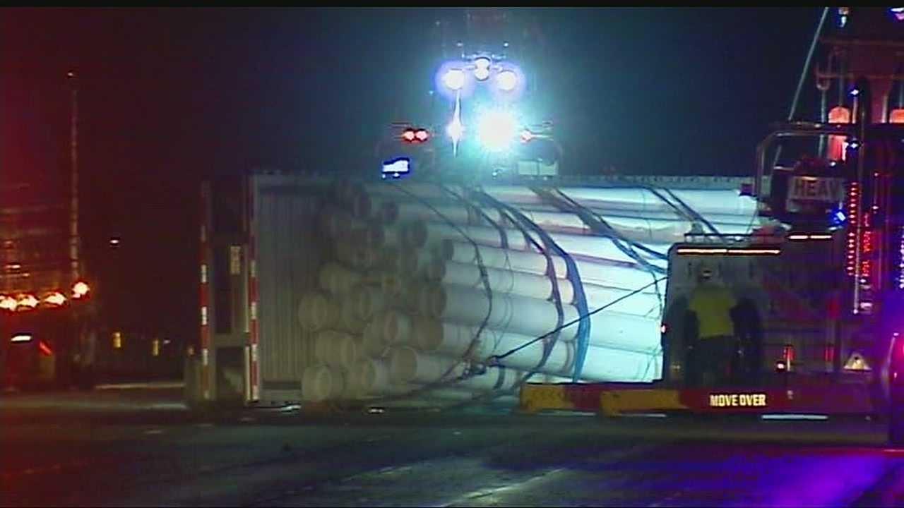 No serious injuries but one big mess after I-35 crash