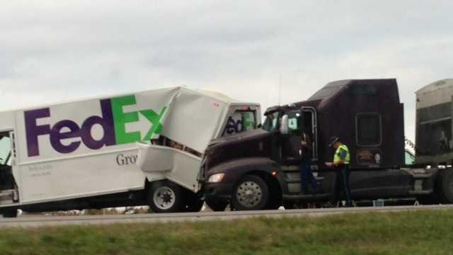Accident on I-435 involves 2 trucks