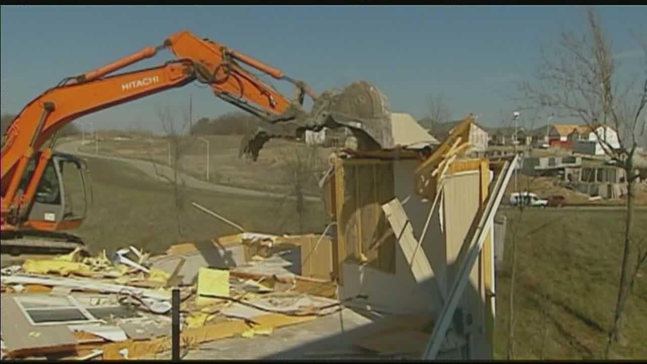 Northland duplexes demolished due to sinkhole