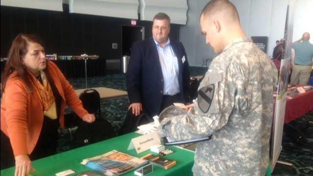 Image Veterans job fair