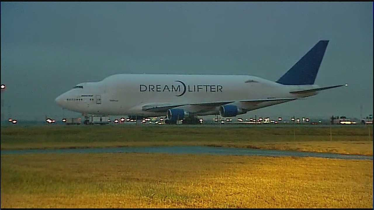 Dream Lifter stuck