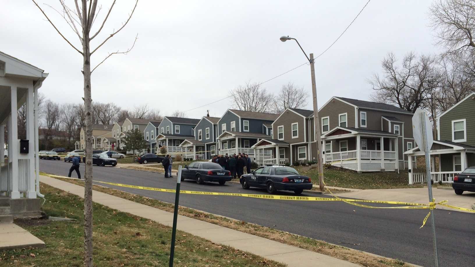 1 dead in double shooting in 2400 block of Euclid Avenue