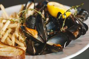 Kansas City's Restaurant Week shows some muscles.  Louie's Wine Dive right in.