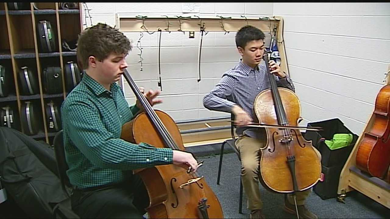 Image Shawnee Mission East cellists