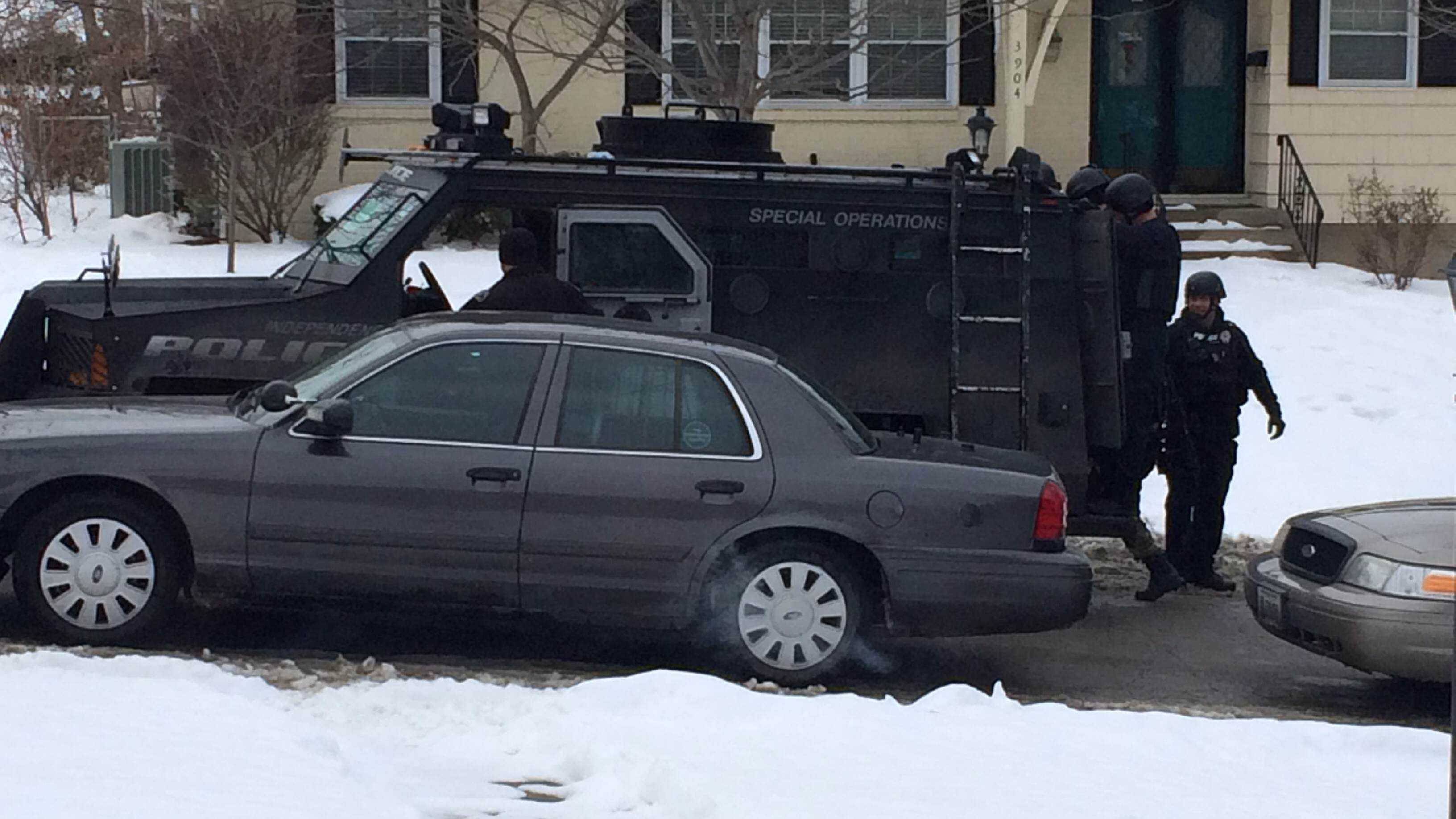 Standoff at home at 39th and Adams in Independence