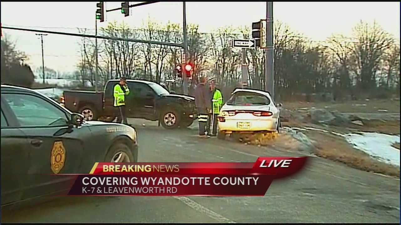 K-7 and Leavenworth Road crash