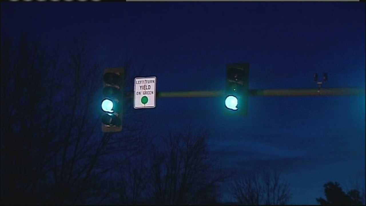Green traffic light, night
