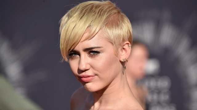 Celeb college classes - Miley Cyrus