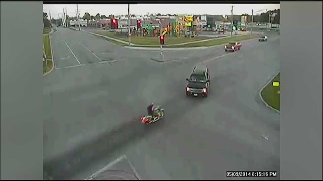 Graphic: Traffic camera captures motorcycle wreck