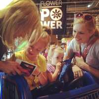 Erin Little signed some autographs for adorable sisters.