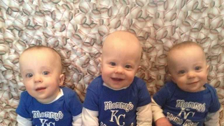 Olathe Triplets Compete In Photo Contest for Free Diapers