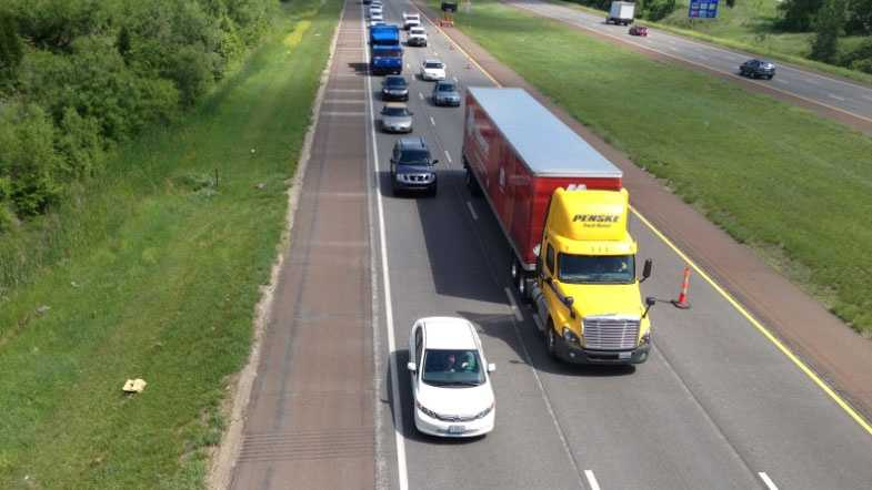Image Traffic on Interstate 435 at 87th Street