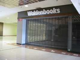 This Waldenbooks once operated on the third floor. Waldenbooks itself no longer exists, closing all stores in 2011.