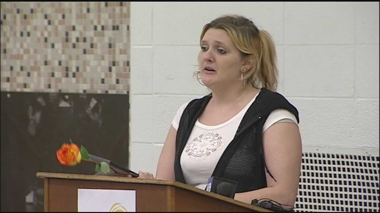 Ceremony honors women who've fought way off streets