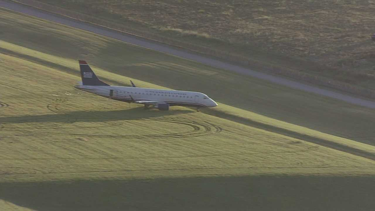 Jet off runway at KCI Airport