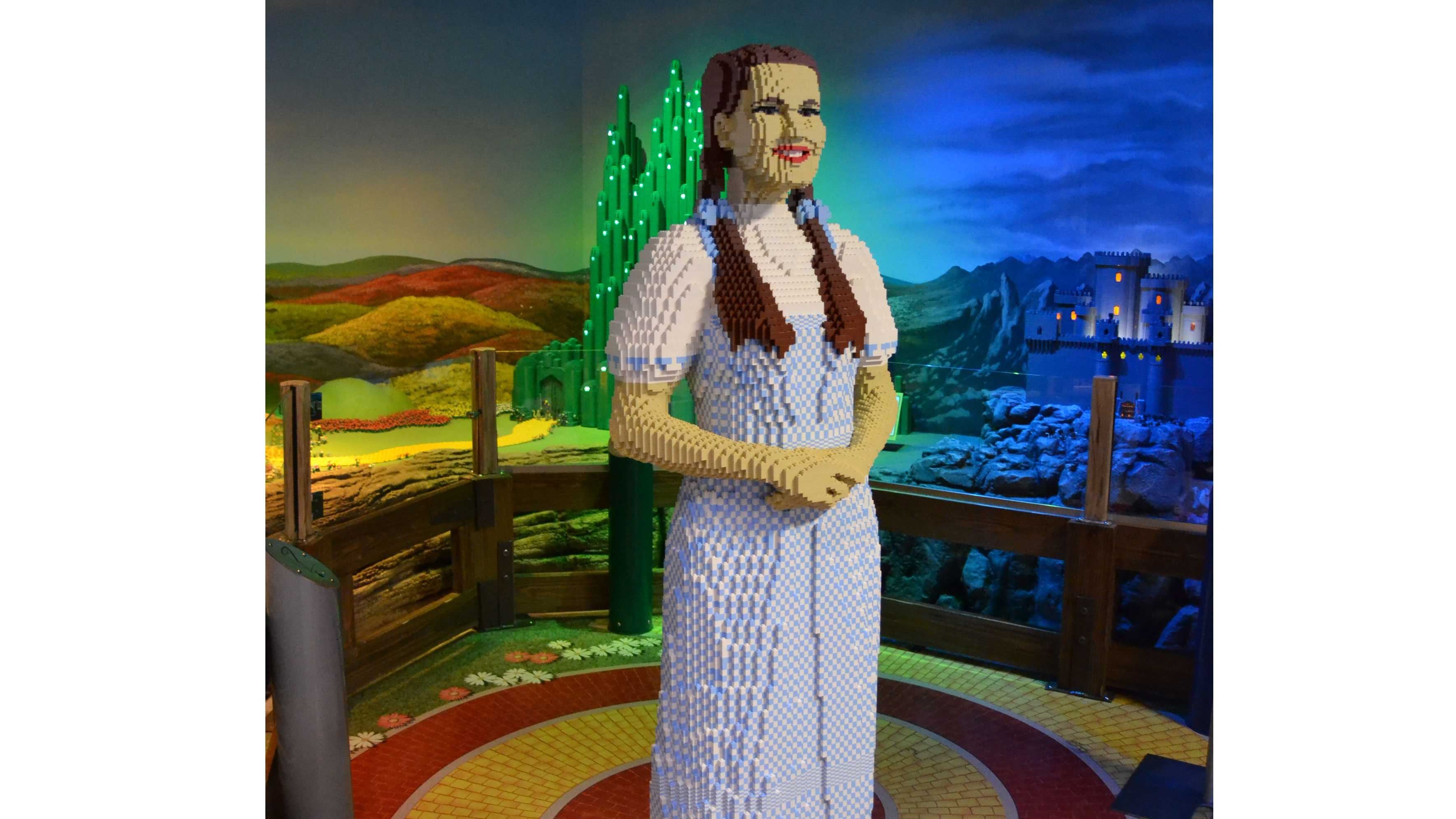 LEGO Dorothy, Toto