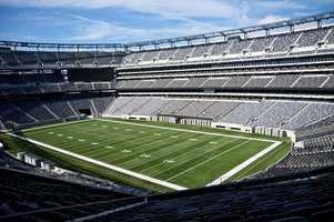 4.) New York GiantsCurrent Value: $2.1 billion1 Year Change: +35%Revenue: $ 353 million