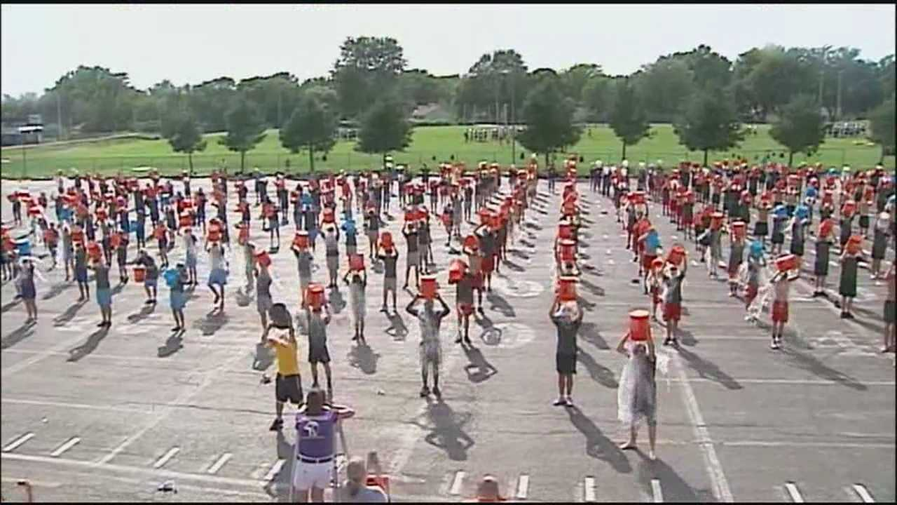 Marching band does mass ice bucket challenge