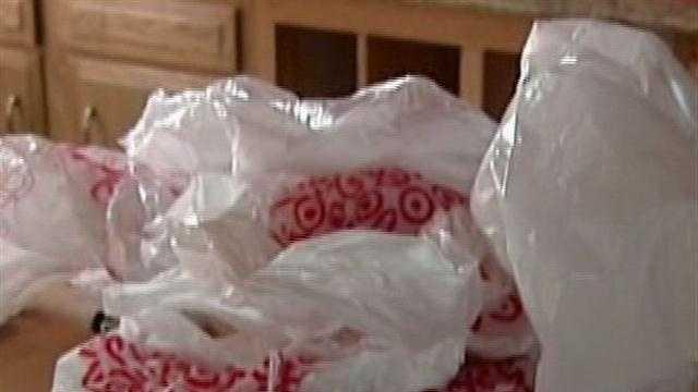 Teen seeks to ban plastic shopping bags