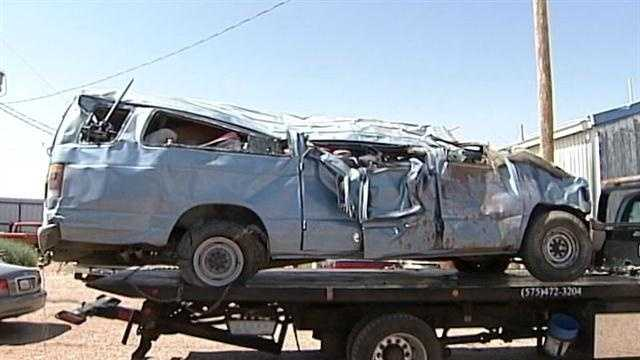 1 dies in rollover near Santa Rosa