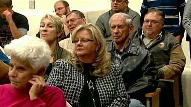 Sandoval County voter sound off at meeting