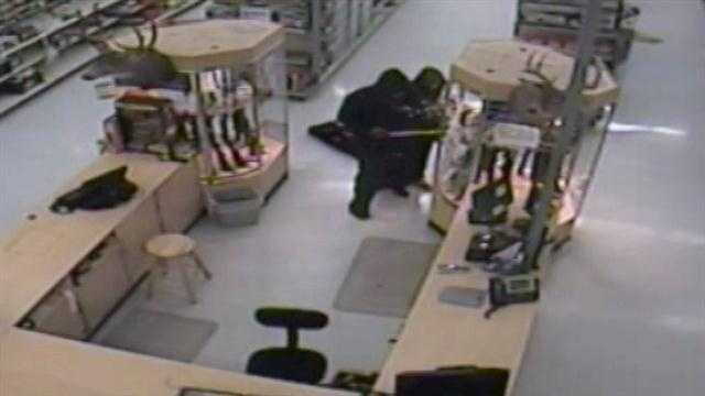New video released from Walmart gun theft
