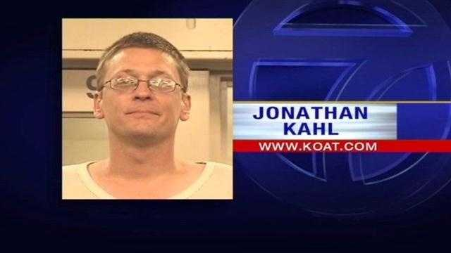 A bizarre escape from UNM hospital Kahl is now the second prisoner in two weeks, to run away from the hospital when cops were supposed to be watching.