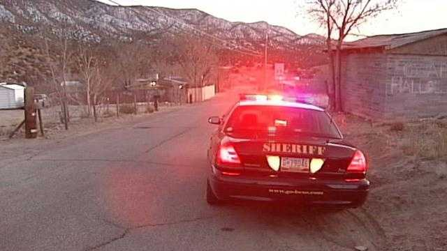 A simple traffic stop turns into a massive manhunt, forcing swat team members to swarm the East Mountains looking a wanted man. Sky 7 was there as police searched for the suspect.