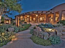 Take a look inside this 4 bedroom, 5 bath mansion in Santa Fe, N.M. featured onrealtor.com