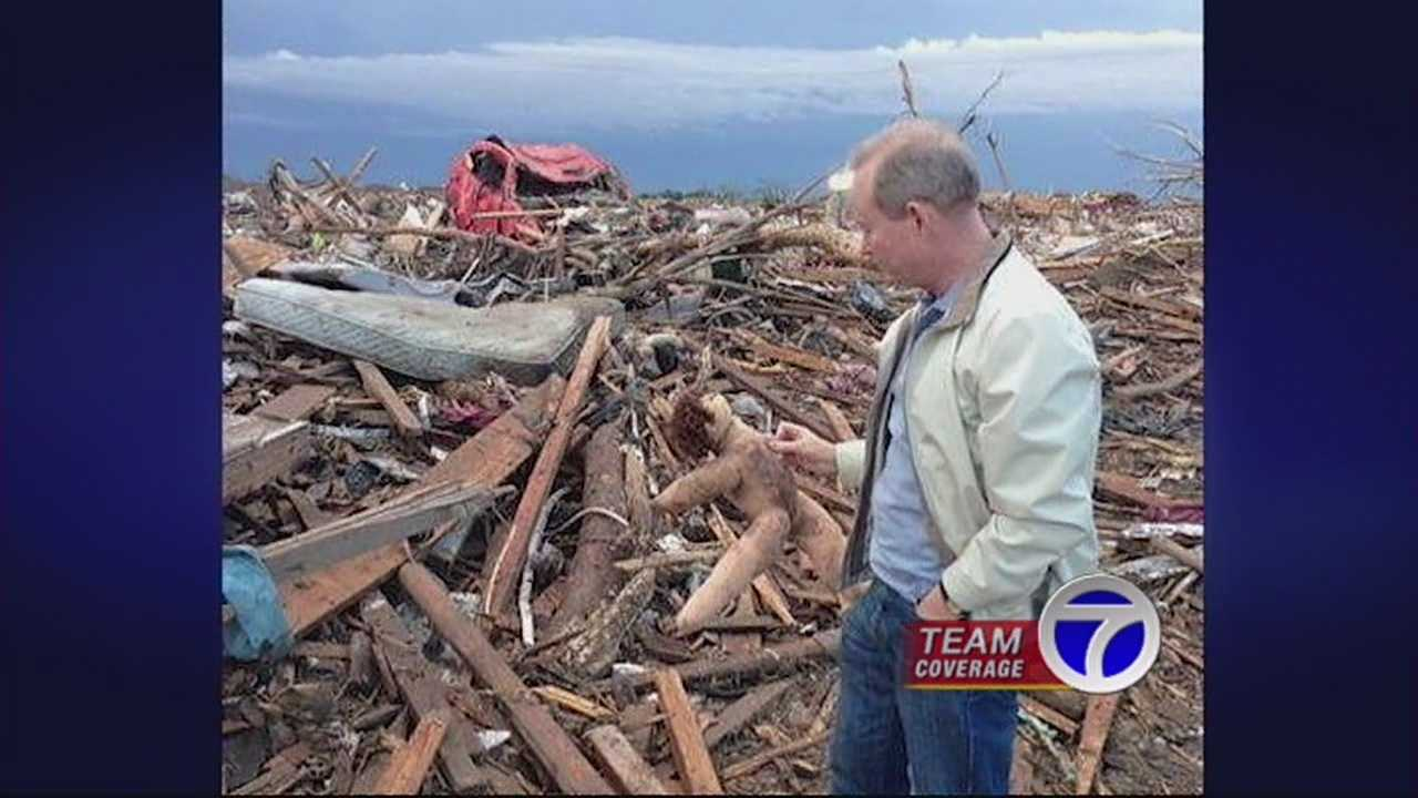 A friendship is springing Albuquerque's mayor into action, to support tornado victims.